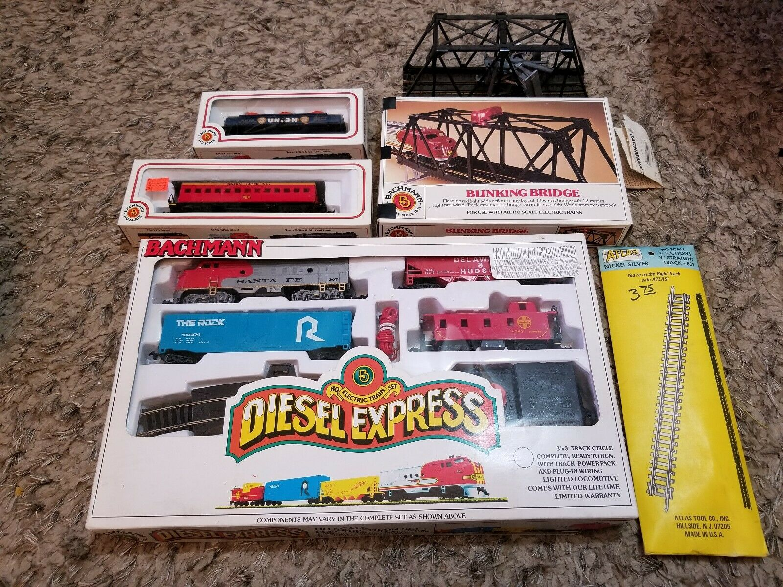 VTG Bachman Diesel Express HO Scale Electric Train Set Tested with extras