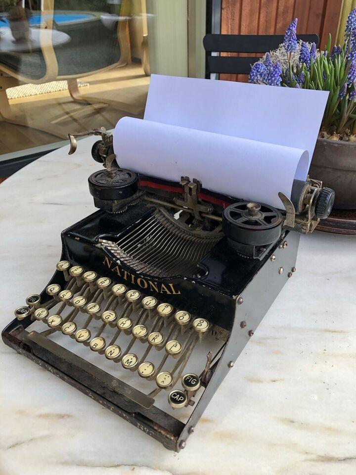 NATIONAL skrivemaskine