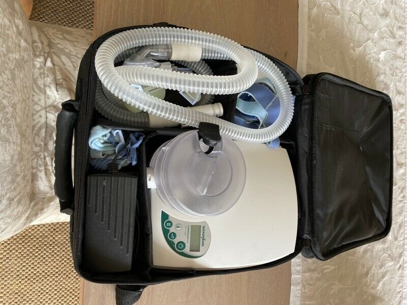 Weinmann CPAPP machine for sleep apnea with face mask and two contoured pillows