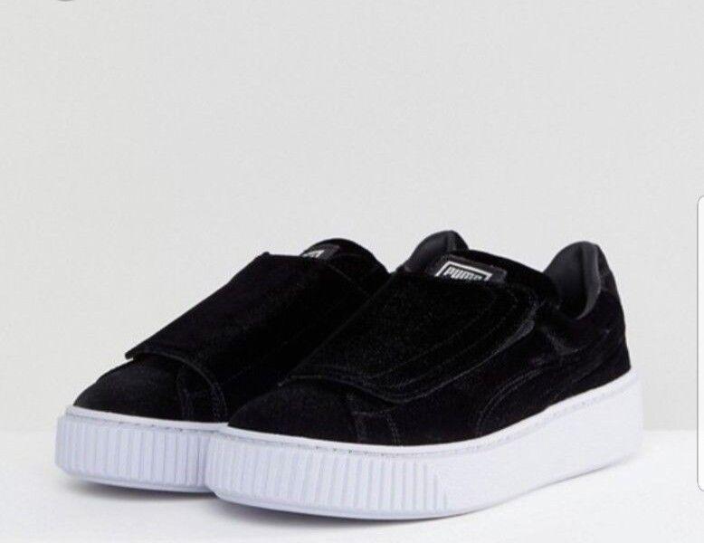 Women's Puma Velour Black  Strap Platform  Sneakers Size 10