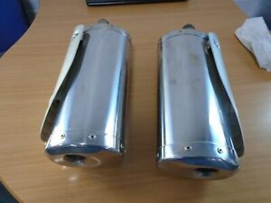 Triump-Speed-triple-1050-2009-exhaust-cans