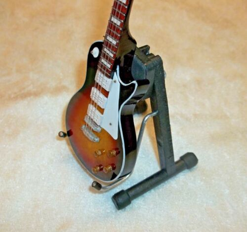 MINIATURE 1:6 DOLL 1:4 FIGURE SCALE MINI AXE GUITAR DELUXE DISPLAY STAND ONLY