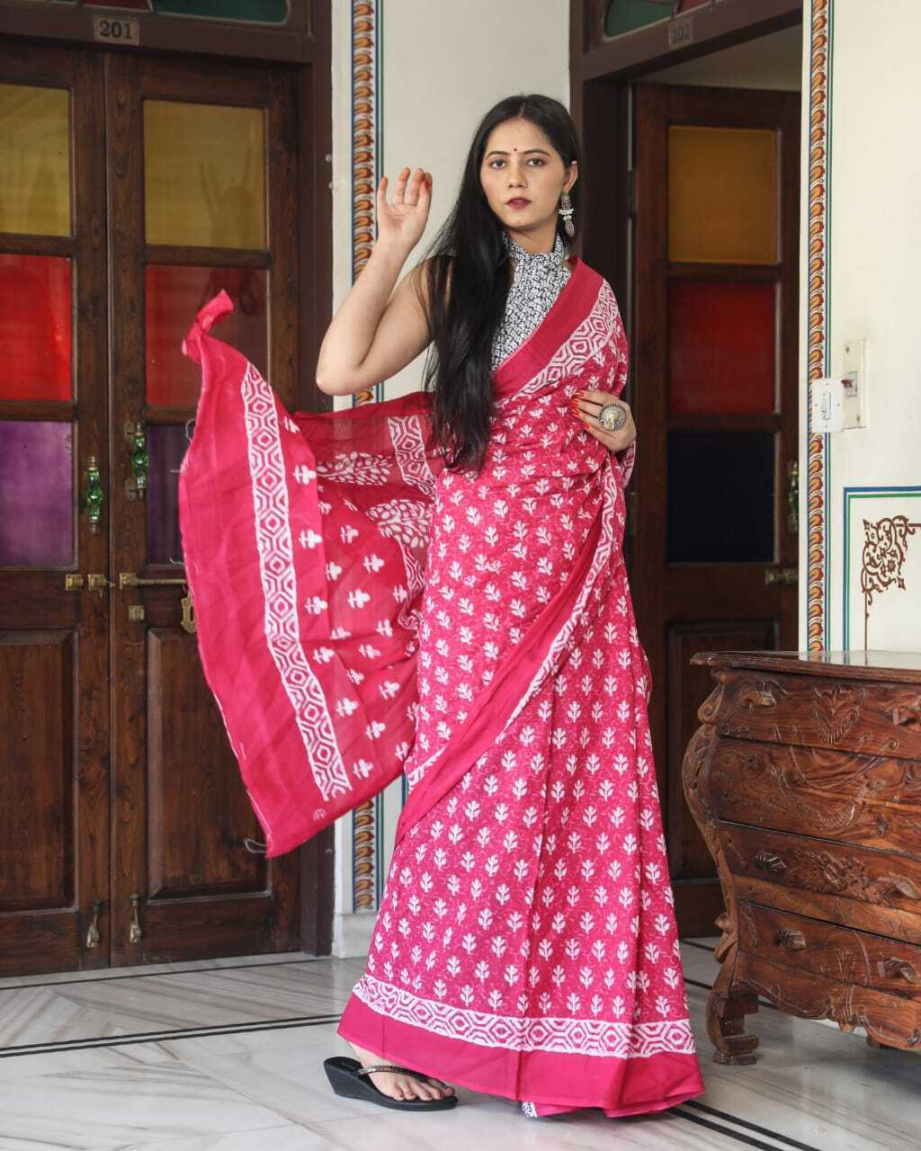 Jaipur Hand Printed Women Dress Pure Cotton Saree For Girl's With Blouse (Pink)