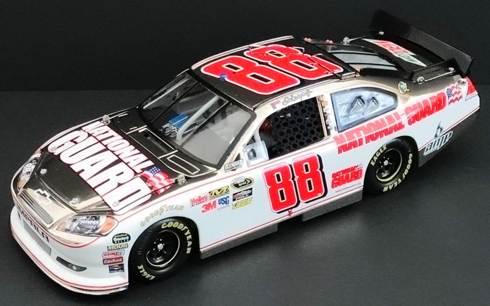fino al 65% di sconto Dale Dale Dale Earnhardt, Jr.  88 Nat'l Guard AMP 1 24 ELITE bianca oro 2011 Impala 36 48  prezzo ragionevole