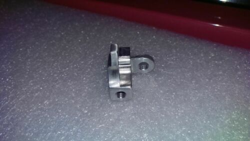 18447 008213 Black Plastic Intake Manifold 03L129711AG repair bracket P2015
