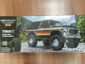 Traxxas-82046-4-TRX-4-1-10-Trail-Crawler-Truck-w-039-79-Bronco-Ranger-XLT-Body-Sun