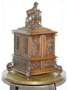 LARGE-ORNATELY-CARVED-BLACK-FOREST-19TH-CENTURY-JEWELLERY-BOX-CHESTERFIELD-SILK