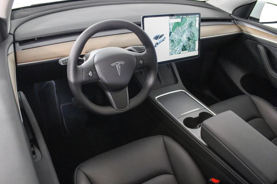 Tesla Model Y Long Range AWD