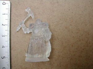 PRETRE-INVISIBLE-REVENAT-PRIEST-REAPER-BONES-MINIATURE-G127