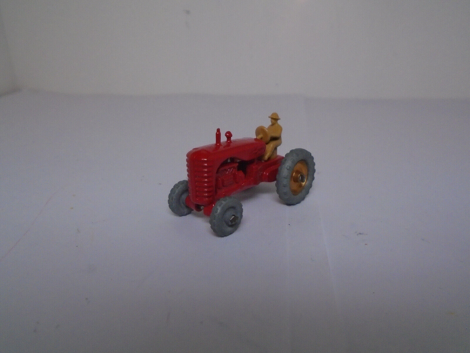 Matchbox Lesney  4B-1 Massey Harris Tractor ORIGINAL MINT Condition.