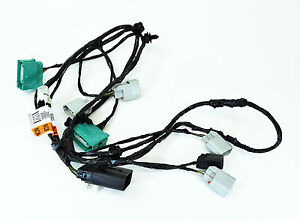 ford oem 13 16 escape front bumper wire harness dv6z15k867c ebay rh ebay com ford factory subwoofer wiring harness ford replacement oem tow package wiring harness