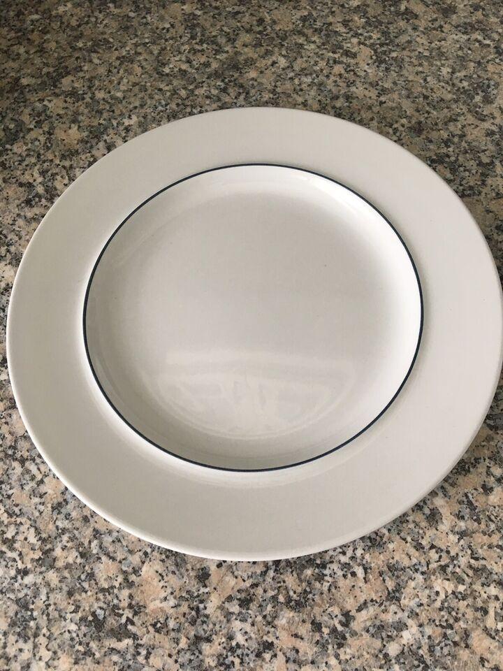 Keramik, 12 stk tallerkener, underkopper