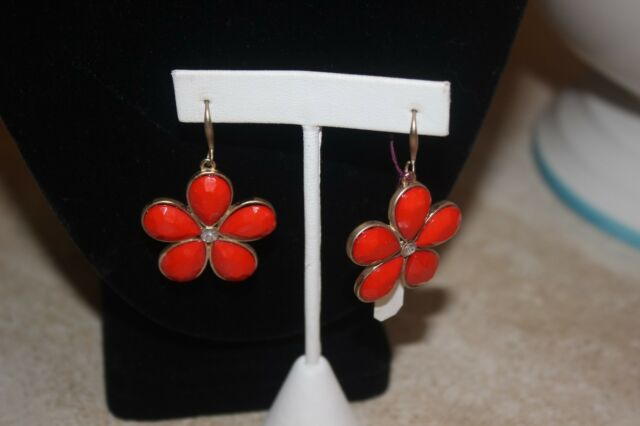 Nwt Coral Daisy Dangle Earrings - Goldtone