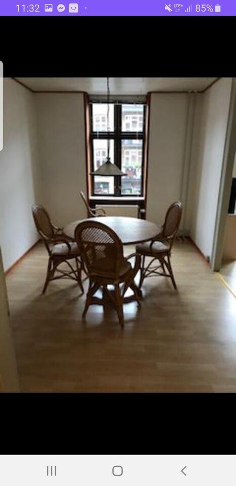 2100 2 vær. lejlighed, 68 m2, Fanøgade 27