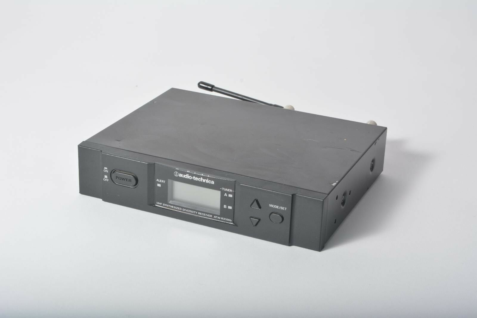 Audio-Technica ATW-R3100B UHF Synthesized Diversity Receiver Grade C