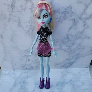 Monster-High-Abbey-Bominable-Home-Ick-Doll