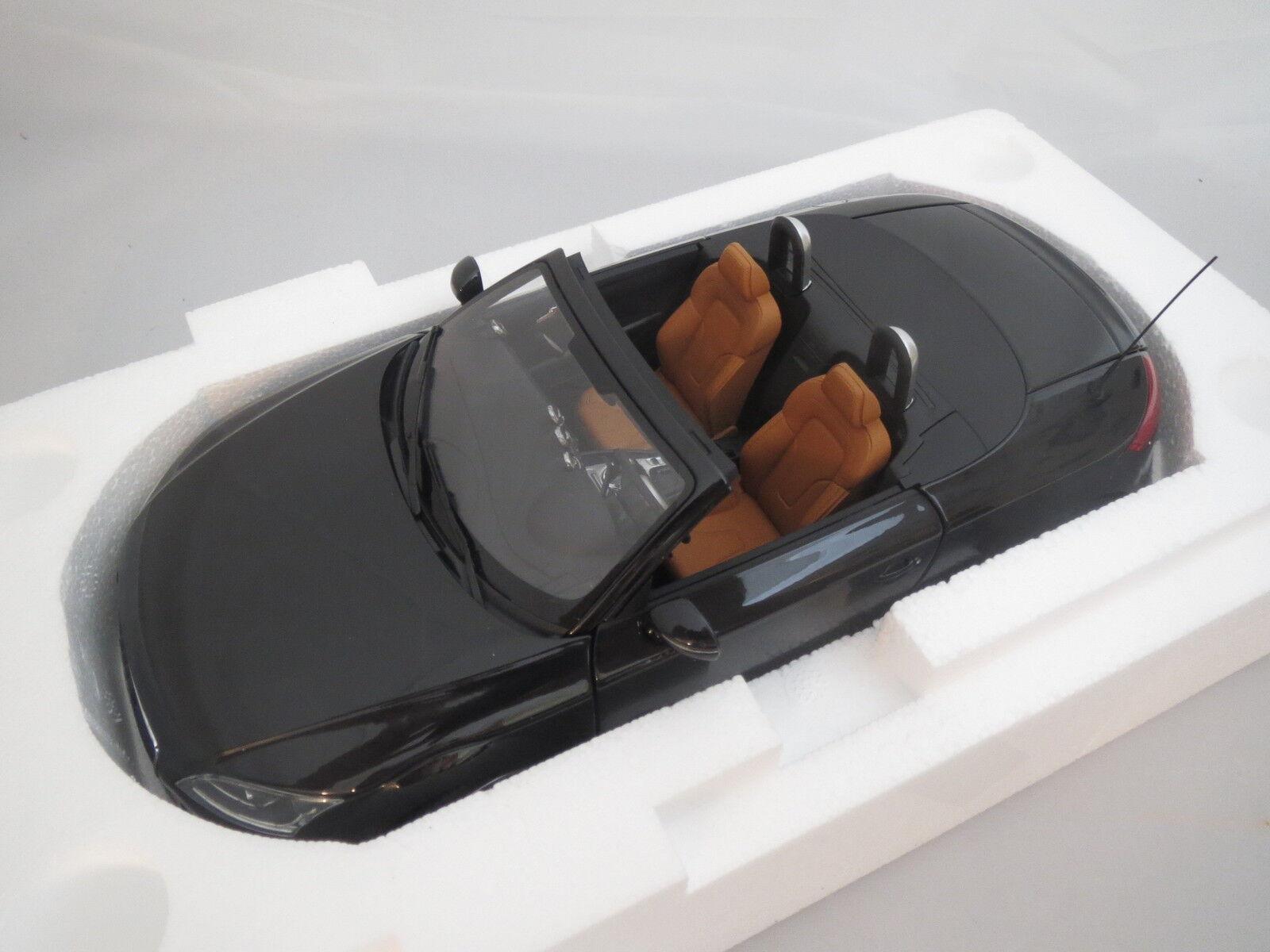 Minichamps AUDI ttroadster 2006 (Noir métallisé Marron) 1 18 OVP