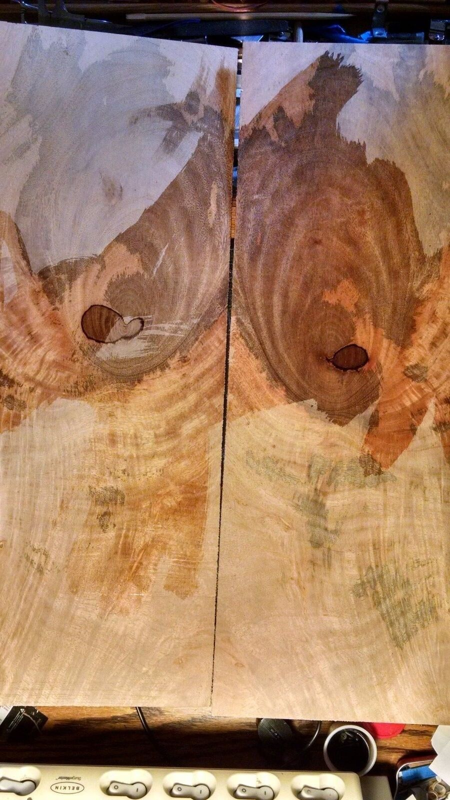 2 pieces of Mango, Bookmatched Sanded Veneer for Guitars kiln dried