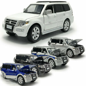 1-32-Mitsubishi-Pajero-SUV-Die-Cast-Modellauto-Auto-Spielzeug-Model-Sammlung