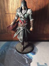 Assassins Creed Revelations Ezio Figura Estatuilla Estatua Sin Caja