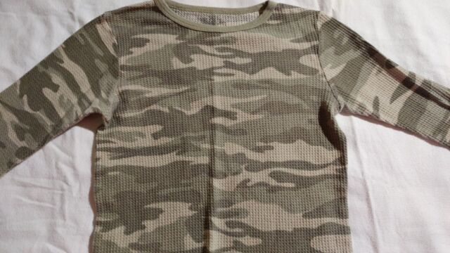 Fruit of the Loom Boy's Camouflage Long Sleeve Thermal Top Size L 12-14