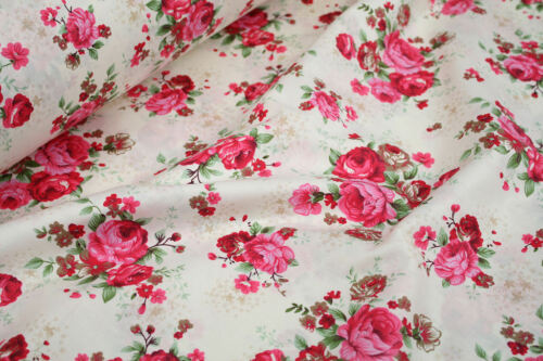 "Pink Roses Floral 100/% cotton fabric sold by meter 63/"" //160cm width 1805016"