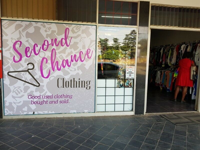 7725e66efc92 We buy and sell good used clothing