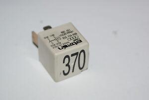 Relais Nr. 370 8D0951253 VW AUDI SKODA Arbeitskontaktrelais BITRON 12V 50A