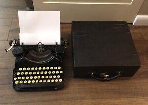 1933 Smith Corona Model Four 4 Manual Black Typewriter USA Made Free Ship