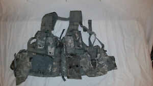 LIGHTWEIGHT-MOLLE-II-ACU-FLC-ADJUSTABLE-FIGHTING-LOAD-CARRIER-W-POUCHES-JJ-1031
