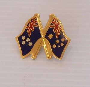 VINTAGE-NEW-ZEALAND-NZ-AUSTRALIA-FRIENDSHIP-SOUVENIR-LAPEL-PIN-BROOCH-HAT-BADGE