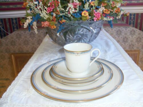 Lenox MONTEREY 5 pc Place Setting New without Tags!