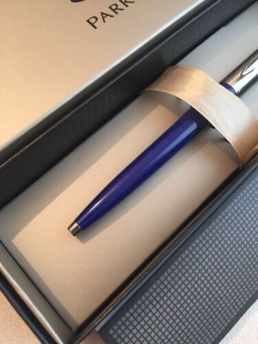 NEW PARKER JOTTER BLUE CHROME TRIM BALLPOINT PEN-UK-BLUE INK-GIFT BOX