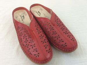 Spring-Step-Parre-Red-Leather-Mules-Size-41-US-9-5-Clogs-Flower-Cut-Outs-NWOT
