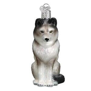 034-Sitting-Wolf-034-12545-X-Old-World-Christmas-Glass-Ornament-w-OWC-Box