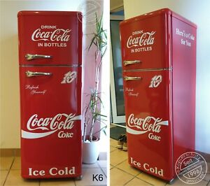 Retro-Kuehlschrank-Gefrierkombination-Rot-Coca-Cola-Bottles-K6-Bomann-DTR-353-A