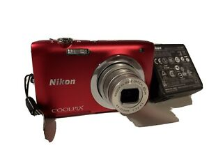 appareil photo nikon coolpix S2600en très bon état