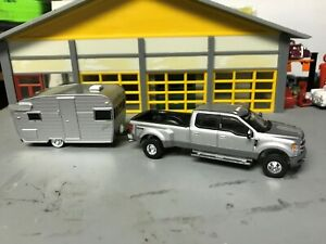 Details about 1/64 2019 Ford F350 Crew Cab Dully P U /Silver//Towing a 15'  Shasta Camper Tlr