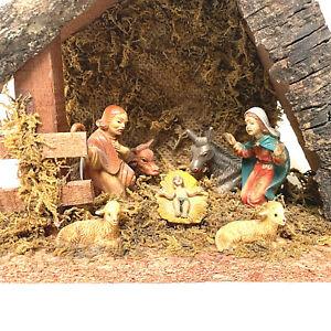 Vintage Nativity Scene Christmas Decoration Hard Plastic Figurines In Stable