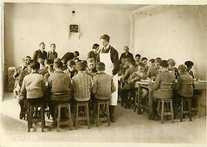 """""""Réfectoire Atelier-école d'ANDRESY 1931"""" Photo originale G. DEVRED - Agce ROL gFQIAtBa-08025838-537696834"""