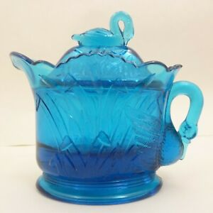Vintage-WESTMORELAND-Aqua-Medium-Millennium-Blue-Glass-SWAN-Creamer-Pitcher