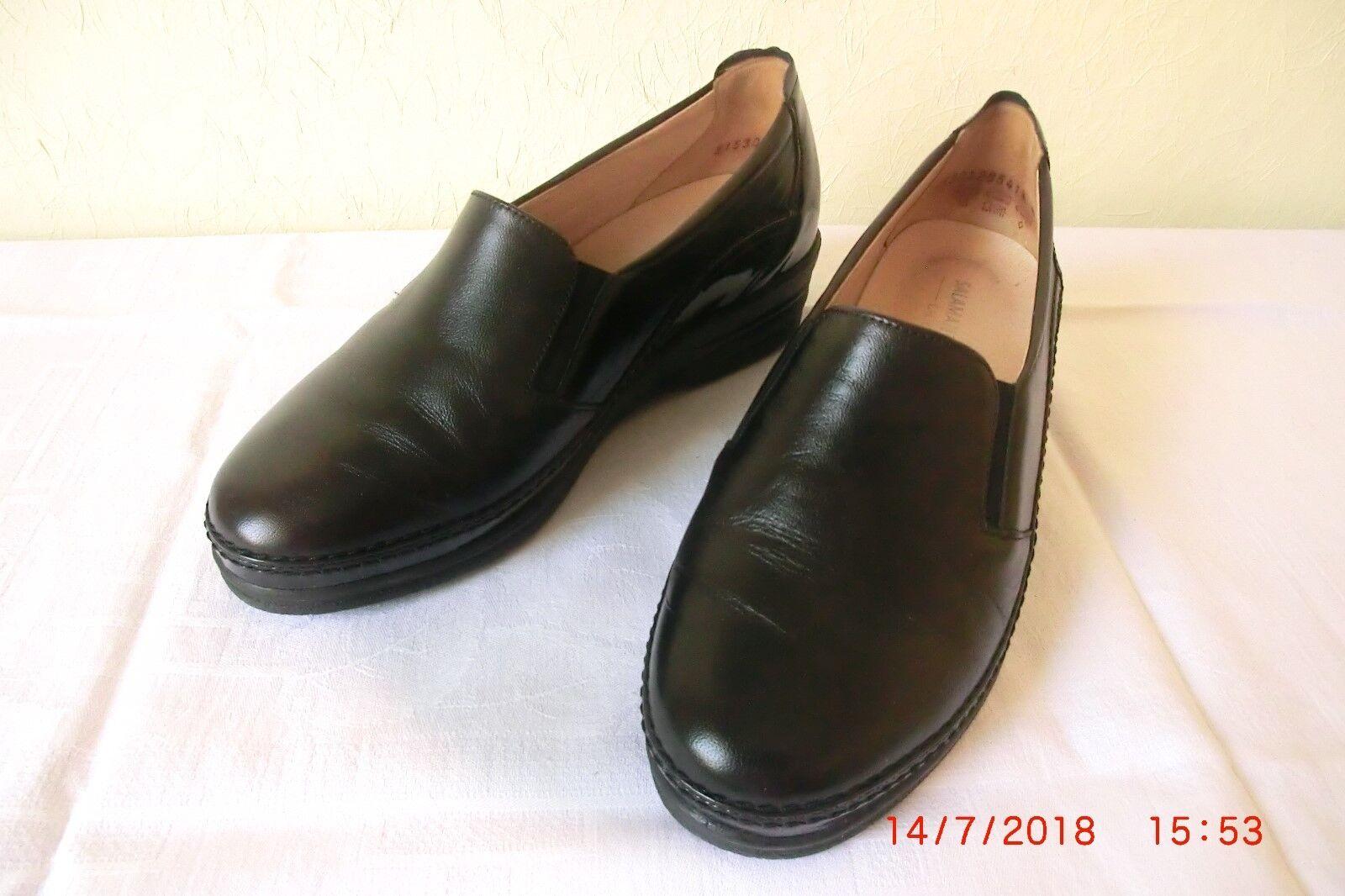 Pumps Gr. 4 Kira echt Leder in schwarz mit Gummizug u. rutschhemmender Laufsohle