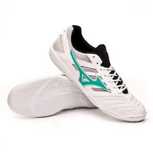 calcetto scarpe bianche