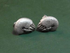 Erstklassige-925er-SILBEROHRSTECKER-Ammoniten-Meeresschnecken-schwarzer-Diamant