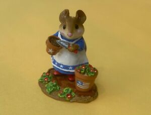 Wee Forest Folk M-237 Patient Lucy Independent Day American Flag | from 1998
