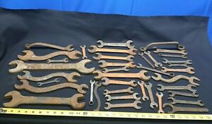 Huge-Lot-Vintage-Iron-Wrenches-Open-End-Wrench-Primitive-Hand-Tool-Billings