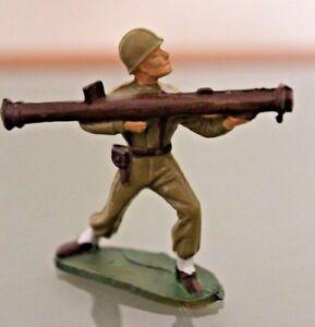 STARLUX-Plastique-soldat-au-combat-Tireur-au-BAZOOKA-Annees-60