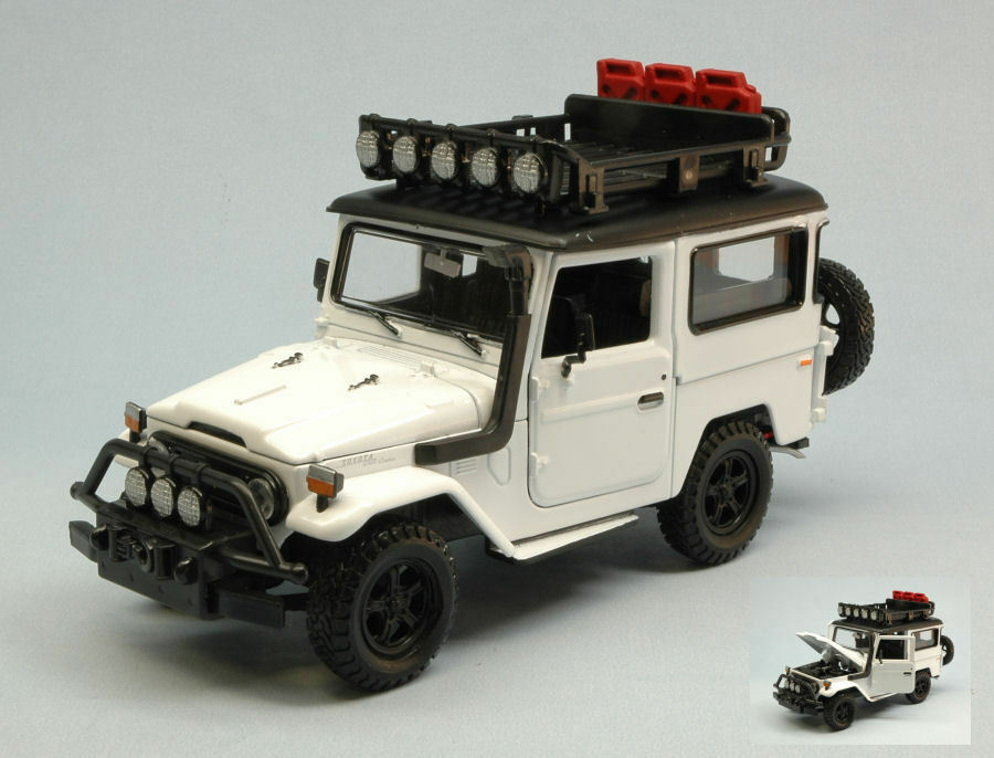 Toyota FJ40 Land Cruiser 1974 blanc 1 24 Model MOTORMAX