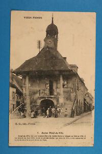 France-Marne-51-AK-CPA-Vieux-Fismes-1910-25-hotel-de-Ville-Rue-Maisons-Personen