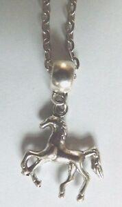 collier-45-cm-avec-pendentif-cheval-poulain